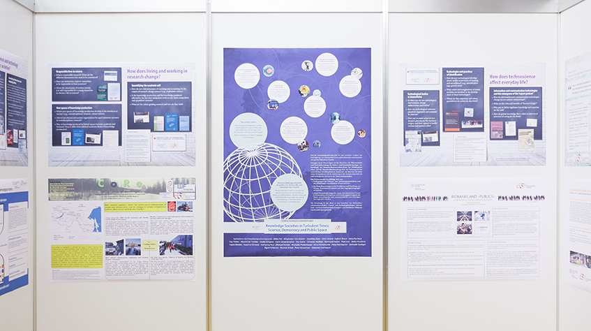 Posterausstellung Forschungsschwerpunkt Knowledge Societies in Turbulent Times