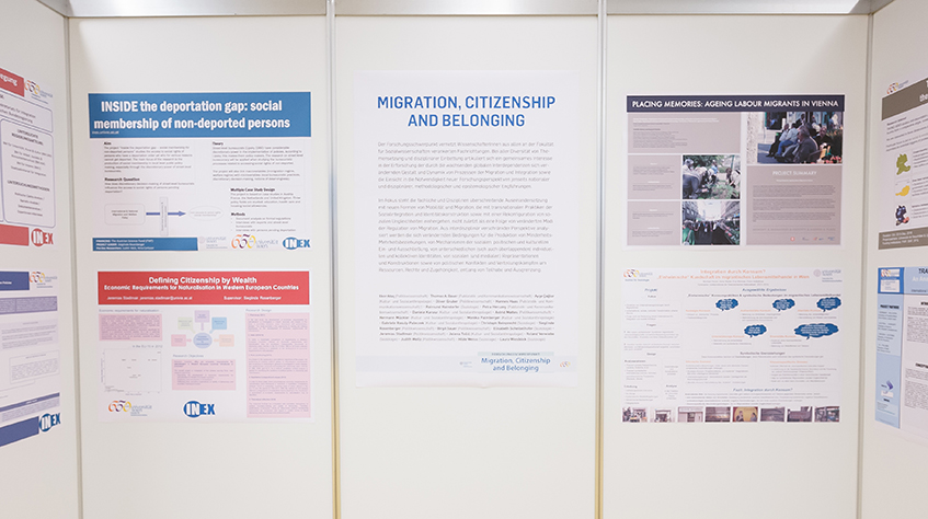 Posterausstellung Forschungsschwerpunkt Migration, Citizenship and Belonging